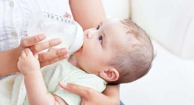 Moms, Begini Lho Ternyata Cara Memilih Botol dan Dot Bayi yang Aman