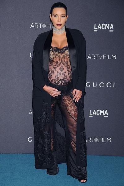Sexy dan Elegan, Ini 4 Gaya Fashion Saat Hamil Ala Kim Kardashian