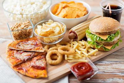 Moms, Jangan Mengonsumsi Makanan Ini Ya Setelah Melahirkan Sesar!