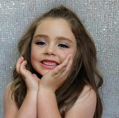 Kenalan Yuk dengan Bella Rose, Gadis Kecil Asal Australia yang Viral Karena Pintar Make Up