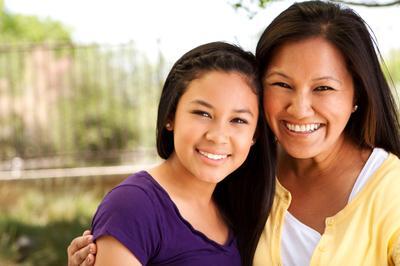Ada beberapa hal seputar menstruasi yang wajib banget kamu bicarakan dengan putrimu yaitu: