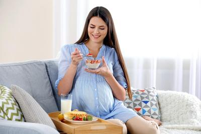 Penting untuk Janin Sehat, Ayo Konsumsi 4 Makanan ini di Trimester Ketiga Kehamilan!