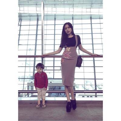 Masih Kecil Udah Stylish! Intip Yuk Moms Fashion Style El Barack Putra Jessica Iskandar