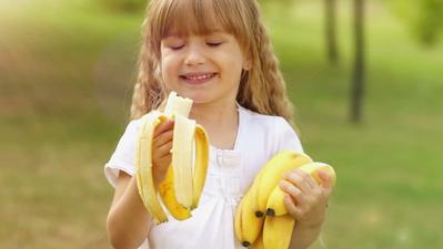 Ingin Anak Cerdas? Ini Dia Makanan yang Harus Si Kecil Konsumsi