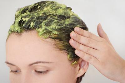 Stop Bahan Kimia! Ini Cara Alami Mengatasi Rambut Rontok Saat Hamil