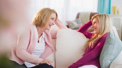 Ingin Semakin Disayang Mertua? Intip Dulu Trik jitu di Sini Moms!