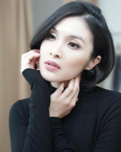 2. Sandra Dewi