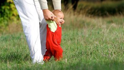 Penyebab Bayi Telat Berjalan