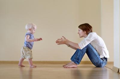 Penanganan Bayi Telat Berjalan