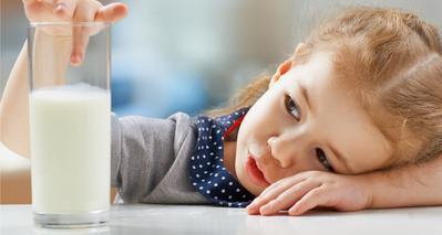 1. Jangan Memberikan Anak Susu dengan Kandungan Laktosa