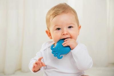 Perhatikan! Selain Demam, 4 Gejala Ini Jadi Tanda Kalau Si Kecil Mau Tumbuh Gigi