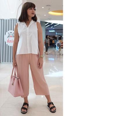 Inspirasi Fashion Saat Hamil Ala Joanna Alexandra