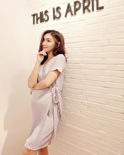 Inspirasi Fashion Saat Hamil Ala Melody Prima