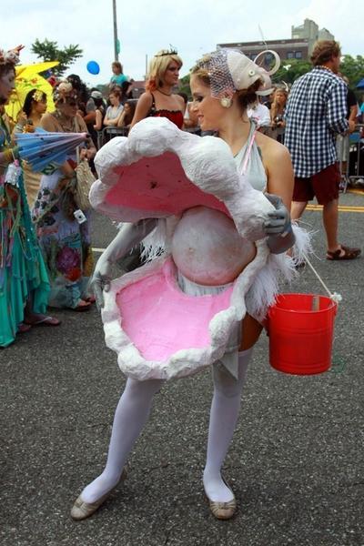 Seram atau Menggemaskan? Ini Inspirasi Kostum Halloween untuk Ibu Hamil yang Bisa Jadi Inspirasi, nih Moms!