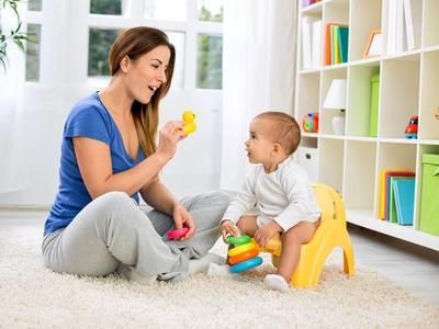 1. Jarang Mengajak Anak Bicara