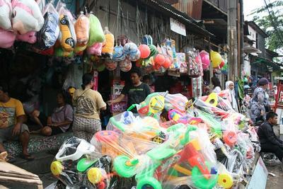 1. Pasar Gembrong