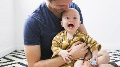 Buat Ayah, 4 Hal Ini Bisa Membantu Istri Tenangkan Anak Menangis Lho