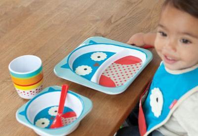 Jangan Sembarangan, Begini Tips Memilih Peralatan Makan Bayi yang Aman!