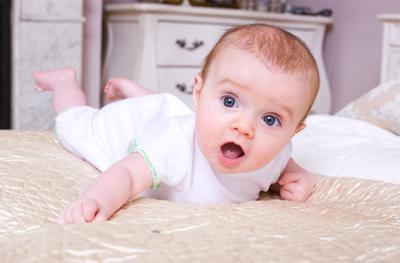 Tengkurap (usia 3-4 Bulan)