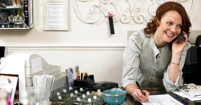 Ladies, Lakukan 5 Tips Jitu Ini untuk Sukses Mengasuh Anak Sambil Bekerja!