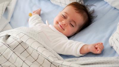 Psst, Ini Tips Penggunaan Bantal untuk Tidur Bayi yang Lebih Nyenyak