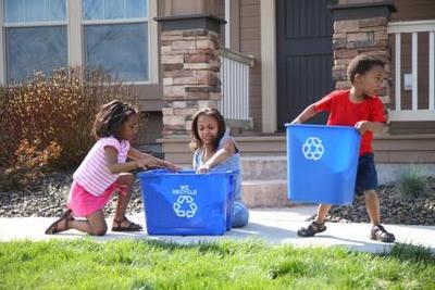 2) Berikan anak tanggung jawab di rumah