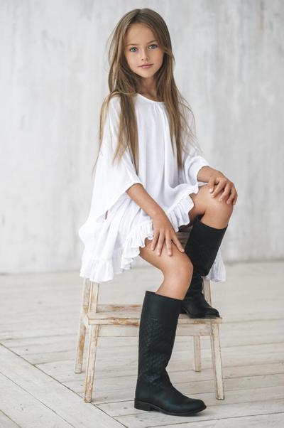 Yuk, Mengenal Lebih Dekat Kristina Pimenova, Anak Perempuan Tercantik di Dunia