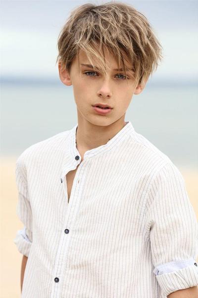 William Ternyata Seorang Model