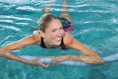 5. Latihan Berenang