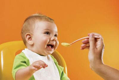 Biarkan Bayi Makan dengan Tenang