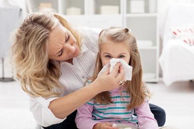 Tak Perlu Panik, Ini Cara Tepat Mengatasi Mimisan Pada Anak