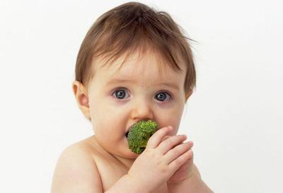 Ternyata, Begini Cara Paling Efektif Mencegah Sariawan Pada Bayi