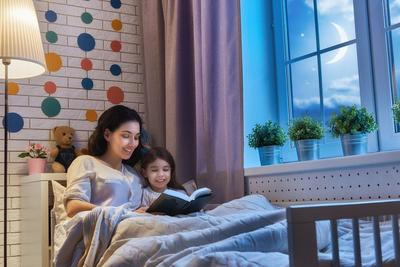 Ladies, Terapkan Kebiasaan Mendongeng dan Rasakan Manfaat Besarnya Bagi si Kecil