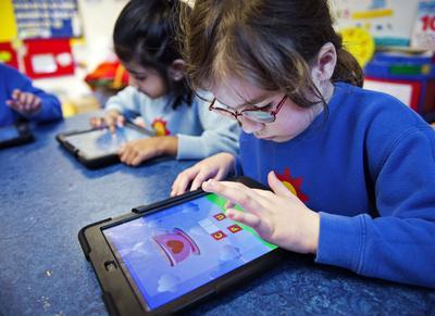Periksa Setiap Permainan dan Aplikasi Pada Gadget Anak