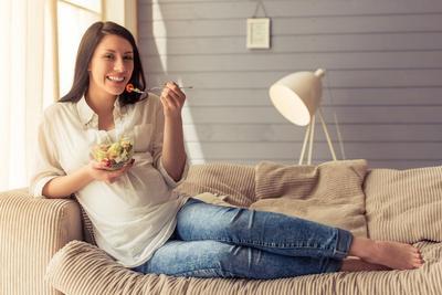 5 Kelompok Makanan Ini Baik Bagi Kehamilan Trimester Pertama Lho!
