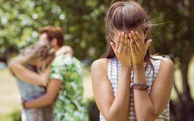 Moms Wajib Tahu, Ini Kesalahan Remaja yang Sering Dilakukan Saat Pacaran