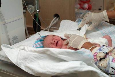 Lebih Sering Dialami Bayi Laki-laki, Ini Tanda dan Penyebab Bayi Tidak Memiliki Bukaan Anus