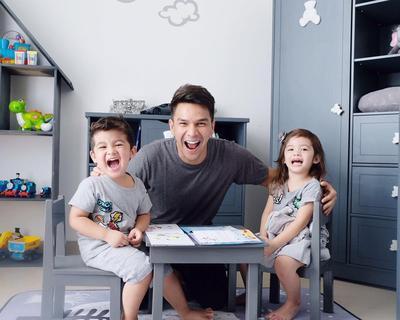Kewalahan Mengasuh Anak Kembar? Yuk, Contek Saja Trik Jitu Ini Moms