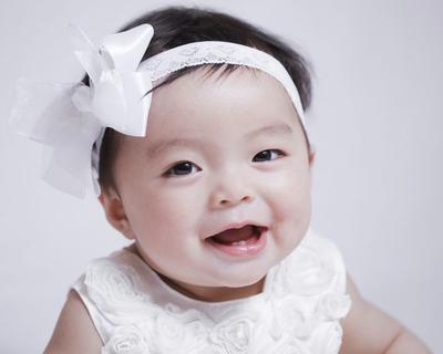 Enggak Tega Lihat Si Kecil Rewel Saat Tumbuh Gigi? Atasi dengan Cara Ini Yuk Moms