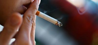 Kasihan Si Janin, Yuk Moms Berhenti Merokok dengan 4 Cara Ini