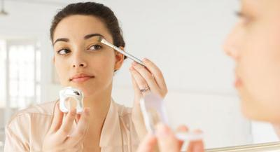 Begini Panduan Memilih Kosmetik yang Aman Saat Hamil, Kamu Wajib Tahu!