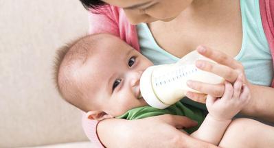 Jangan Sampai Terlewat, Ini Waktu yang Tepat Untuk Mengganti Botol Bayi