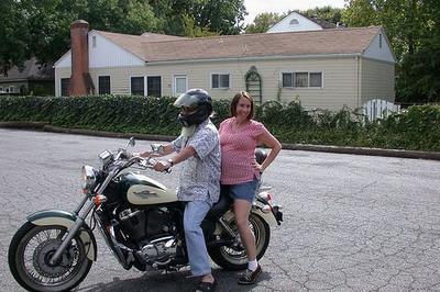 Panduan Naik Motor untuk Ibu Hamil