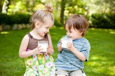 Jangan Salah Pilih, Moms! Ini Dia Rekomendasi Susu Untuk Kecerdasan Otak Anak