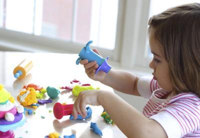 Mainan Dengan Bahan Kimia Berbahaya