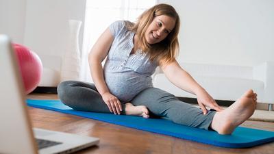 4 Gerakan Sederhana Ini Manjur Untuk Usir Sakit Pinggang Saat Hamil, Ikutin Yuk, Moms?