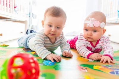 3. Hindari Membeli Mainan yang Terlalu Murah