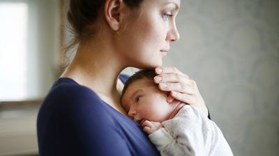 Moms, Ini Ciri-Ciri Kamu Mengalami Depresi Pasca Melahirkan