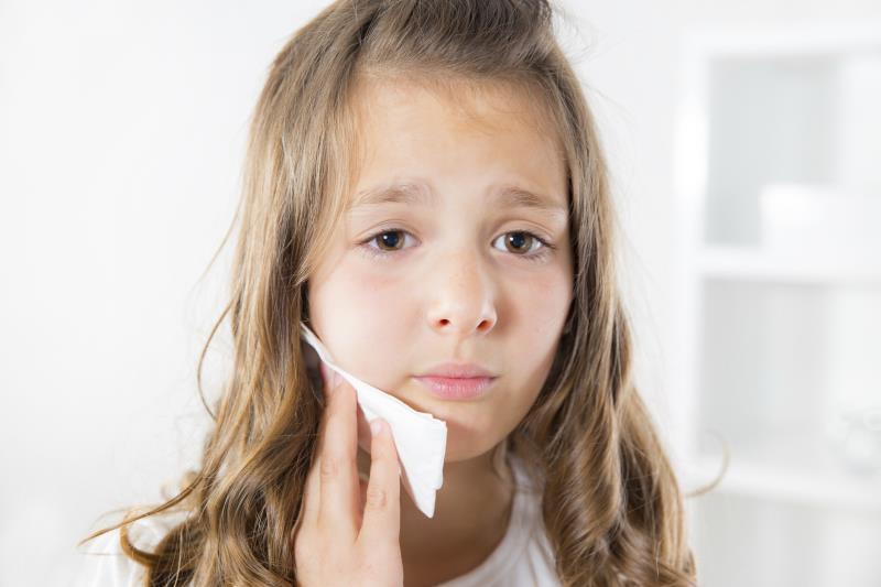 Cuma Lima Menit Atasi Gigi Berlubang Pada Anak Dengan 4 Bahan