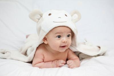 Kapan Bayi Mulai Duduk?